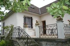 Property Dpt Yvelines (78), à vendre GARANCIÈRES maison P6 de 120 m² - Terrain de 1221 m² (KDJH-T227314)