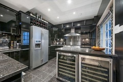 Property Buy a House in London (PVEO-T261327)