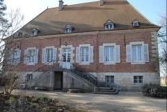 Property Dpt Saône et Loire (71), à vendre proche CHALON SUR SAONE propriété P7 de 270 m² - Terrain de 24000 m² (KDJH-T230062)
