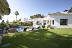 Property Villa for sale in Nueva Andalucía,  Marbella,  Málaga,  Spain (OLGR-T1021)