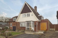Property Buy a House in Loughton (PVEO-T276947)