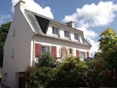 Property Maison/villa 5 pièces et plus (YYWE-T31426)