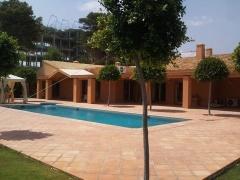 Annonce 636366 - Villa en venta en Benamara, Estepona, Málaga, España (ZYFT-T4786)