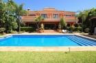 Property Villa for sale in Marbella Golden Mile (OLGR-T851)