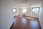 Property Dpt Bas-Rhin (67), à vendre ILLKIRCH GRAFFENSTADEN local avec 8 bureaux - 261 m² (KDJH-T220052)