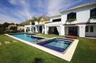 Property 635105 - Villa en venta en Marbella West, Marbella, Málaga, España (ZYFT-T4855)